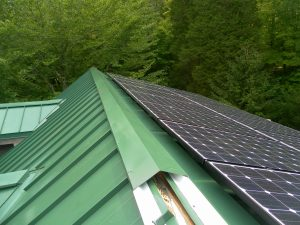 Metal Roofs are Fire-Resistant and Environmentally Friendly
